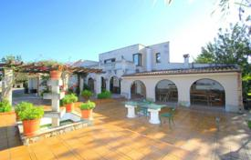 4 bedroom houses for sale in Majorca (Mallorca). Villa with a private garden, a swimming pool, a parking and a terrace, Marratx, Spain