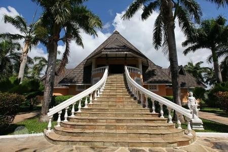Property for sale in Africa. This unique Villa is situated in Diani Beach, Mombasa, Kenya, on the shores of the Indian Ocean