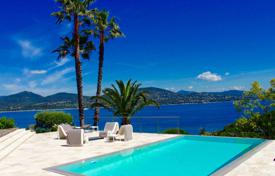 4 bedroom villas and houses by the sea to rent in Provence - Alpes - Cote d'Azur. Close to Saint-Tropez — Exceptional sea view