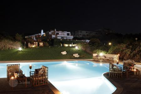 Coastal hotels for sale in Southern Europe. Hotel – Campania, Italy
