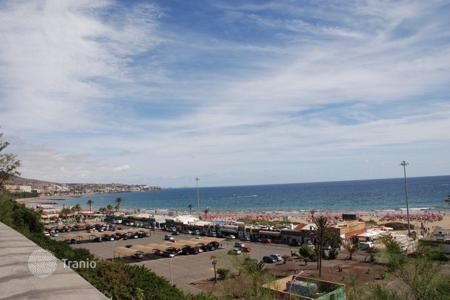 2 bedroom apartments for sale in Canary Islands. Luxury apartment at the Seafront in Playa del Ingles
