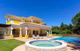 2 bedroom houses for sale in Portugal. Frontline 4 Bedroom Villa with golf and sea views in Alvor, West Algarve