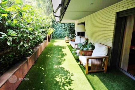 4 bedroom apartments for sale in Barcelona. Beautiful apartment with private garden in Pedralbes, Barcelona