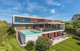 Luxury property for sale in Saint-Raphaël. Close to Cannes — Contemporary villa