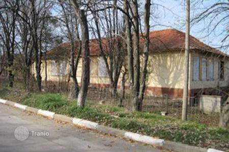 Cheap commercial property in Bulgaria. Business centre – Lom, Montana Province, Bulgaria