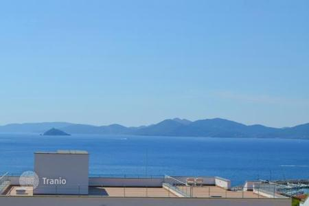 2 bedroom apartments for sale in Tuscany. PRESTIGIOUS APARTAMENT WITH WONDERFULL VIEW ON ELBA ISLAND — PIOMBINO — LIVORNO
