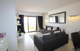 2 bedroom apartments for sale in Majorca (Mallorca). Apartment with a terrace and a parking in a residential complex with a swimming pool, Cala Vinyes, Spain