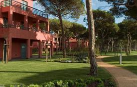 Apartments with pools for sale in Cascais. Apartments in complex with swimming pool in Cascais