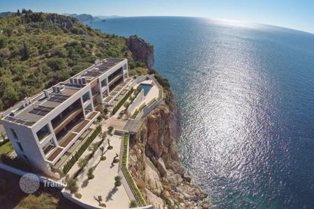 New homes for sale in Budva (city). The apartment is in a luxury complex in the town Skochidevoyka