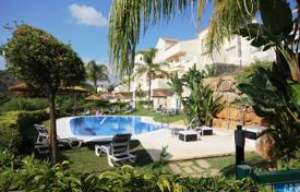 2 bedroom apartments for sale in Benahavis. Apartment for sale in Puerto del Almendro, Benahavis