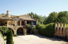 Houses for sale in Pals. Medieval manor with a main house, a chapel and gardens, Pals, Spain