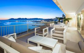 5 bedroom apartments for sale in Côte d'Azur (French Riviera). Cannes — Croisette — Exceptional Penthouse