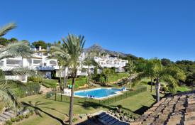 Townhouses for sale in Marbella. Town House for sale in Last Green, Nueva Andalucia