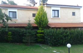 Coastal houses for sale in Kriopigi. Maisonette for sale in Chalkidiki, Kassandra. Area of 120 sq. m. Price is 180,000 €.