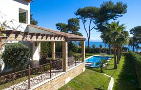 3 bedroom houses for sale in Antibes. Modern renovated villa with a sea view, Cap d'Antibes, France