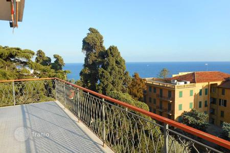 Coastal penthouses for sale in Liguria. Penthouse with terrace and sea views in a prestigious area of San Remo