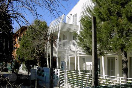 Residential for sale in Cervia. Beautiful 1st floor flat, with large covered terrace; wide living-room, spacious kitchen, two bedrooms, two bathrooms and public elevator