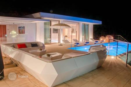 Property to rent in Spain. Villa with terraces, pool and views of the sea and Old Town, Ibiza, Balearic islands, Spain