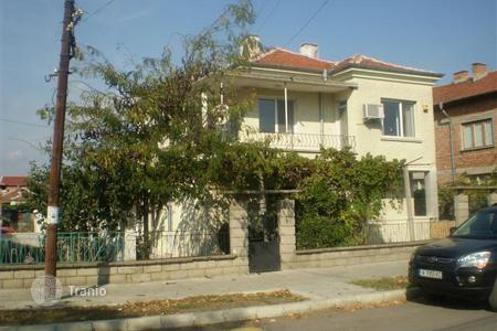 Cheap houses for sale in Ravnets. Charming two- storey house for sale in the village of Ravnets, Burgas