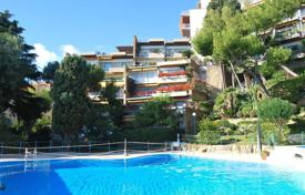 Apartments with pools for sale in Province of Imperia. Apartment in San Remo, Italy