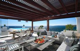 Corner penthouse with a private pool and panoramic sea views in Marbella, Andalusia, Spain for 2,150,000 €