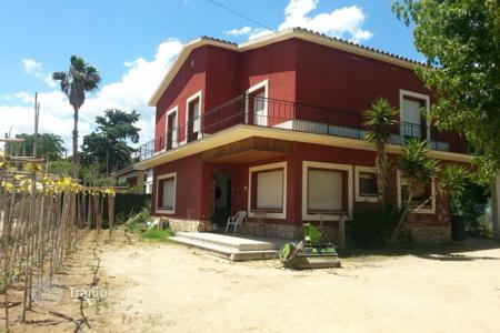 Property for sale in Palafolls. House for renovate in Palafolls