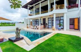 Property for sale in Bali. New furnished villa with a terrace, a swimming pool, a garage, a garden and panoramic views, near the beach, Canggu, Bali