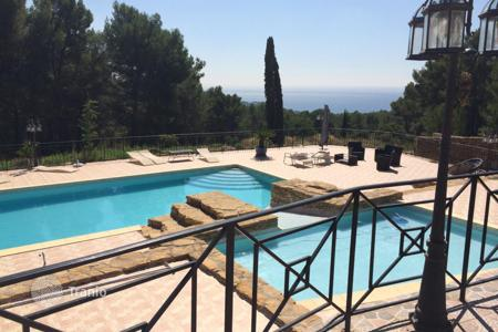 Houses for sale in Bouches-du-Rhône. LOVELY VILLA WITH STUNNING SEA VIEW NEAR LA CIOTAT