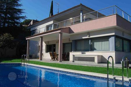 4 bedroom houses for sale in Catalonia. Villa – Cabrils, Catalonia, Spain