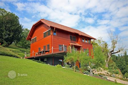 3 bedroom houses for sale in Slovenia. This is a superb new house in the pretty and quiet village of Spodnja Kungota just a few minutes from Maribor