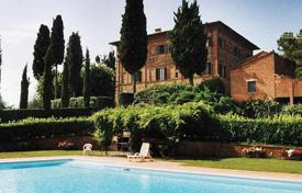 Villas and houses for rent with swimming pools in Lucignano. Villa Emma