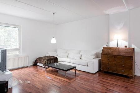 Coastal residential for sale in Espoo. Comfortable apartment with a balcony, in a renovated residential building, Espoo, Finland