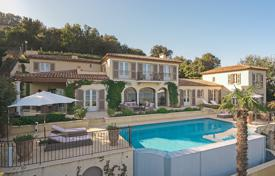 Luxury residential for sale in Gassin. Elite villa with a pool, a terrace, a garden and sea views in a prestigious domain, Gassin, French Riviera, France