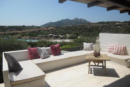 Residential for sale in Arzachena. Terraced house – Arzachena, Sardinia, Italy