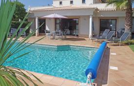 2 bedroom houses for sale in Faro. 3–4 Bedroom villa with pool, in a relaxing setting near Burgau, West Algarve
