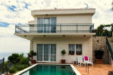 Houses with pools for sale in Montenegro. Luxury Villa with pool and sea views in Vidikovtse, Tivat
