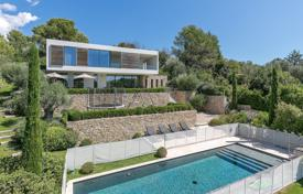 Luxury houses for sale in Chateauneuf-Grasse. Cannes backcountry — Splendid contemporary villa