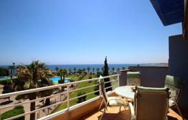 Apartments for sale in Dehesa de Campoamor. Two-level apartment with panoramic sea views in Dehesa de Campoamor, Alicante, Spain
