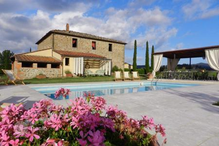 Villas and houses to rent in Bucine. Villa – Bucine, Tuscany, Italy