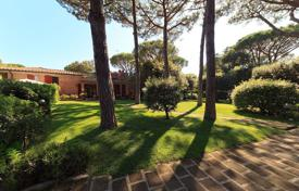 6 bedroom villas and houses to rent in Tuscany. Villa – Punta Ala, Tuscany, Italy