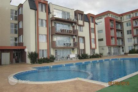 Apartments with pools by the sea for sale in Burgas (city). Fully furnished two- bedroom apartment in complex Solo in Sveti Vlas