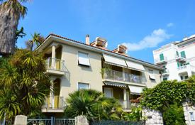 2 bedroom apartments by the sea for sale in Bordighera. Fully renovated and furnished apartment in Bordighera, Liguria