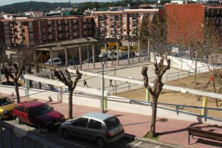Cheap apartments for sale in Catalonia. Flat in Mas Baell