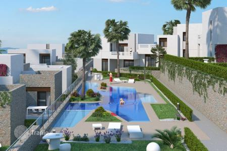 Cheap 2 bedroom apartments for sale in Algorfa. Apartment – Algorfa, Valencia, Spain