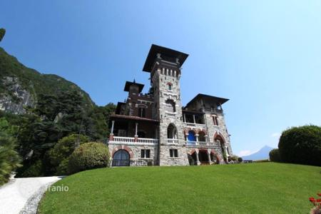 Apartments with pools for sale in Lombardy. Apartment – Lake Como, Lombardy, Italy