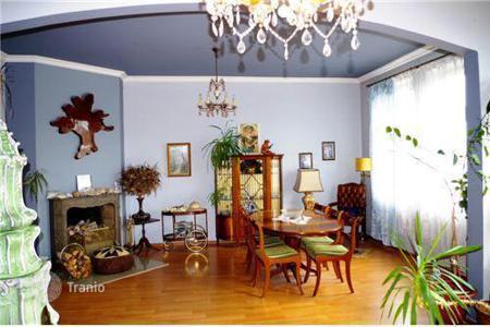 2 bedroom apartments for sale in Bavaria. Fantastic apartment in a historic building in Munich