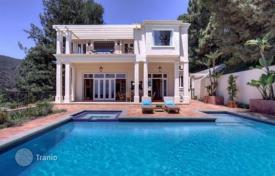 Furnished villa with pool and jacuzzi in premium residential area in Los Angeles for 7,500,000 $