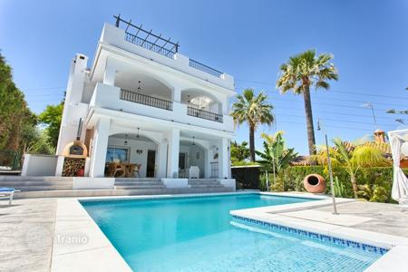4 bedroom houses for sale in Costa del Sol. Villa – Nueva Andalucia, Marbella, Andalusia,  Spain