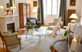 Property to rent in Paris. Apartment – Paris, Ile-de-France, France