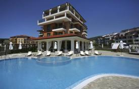 Apartments with pools for sale in Bulgaria. Apartment – Sveti Vlas, Burgas, Bulgaria